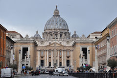Базилика St Peter st vatican peter rome s фонтана города bernini базилики предпосылки квадратный Стоковые Фото