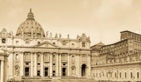 Базилика St Peters, Ватикан, постаретое фото Стоковое фото RF