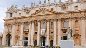 Базилика St Peters в Риме на государстве Ватикан стоковые изображения