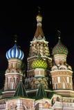 Базилик St. собора заступничества на ноче. стоковые фото