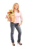 бакалеи мешка полные держа женщину Стоковое Фото