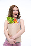 бакалеи мешка полные держа женщину покупкы Стоковая Фотография RF