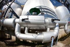 баки трубопроводов серебряные Стоковое фото RF