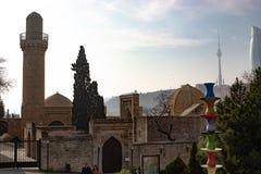 Баку, Азербайджан дворец Shirvanshahs в старой зиме города стоковая фотография