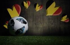 БАКУ, АЗЕРБАЙДЖАН - 8-ОЕ ИЮЛЯ 2018: Творческая концепция Должностное лицо Россия шарик футбола 2018 кубков мира Adidas Телстар 18 Стоковая Фотография RF