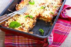 Баклажан, томат и сыр пекут стоковые изображения rf