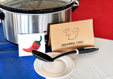 Бак глиняного кувшина с chili белки в состязании Стоковые Изображения RF