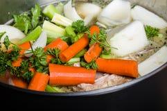 Бак запаса с отрезанными овощами для супа Стоковая Фотография RF