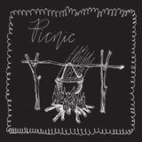 Бак огня над огнем E Элемент для Doodle пикник-стиля на черной предпосылке доски стоковое фото