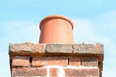Бак печной трубы na górze стога печной трубы на крыше Стоковое фото RF