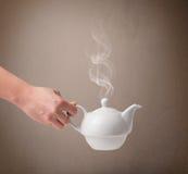 Бак чая с абстрактным белым паром Стоковые Изображения RF
