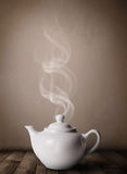 Бак чая с абстрактным белым паром Стоковое фото RF