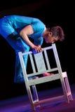 балансируя стул Стоковое Изображение RF