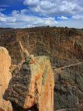 балансируя черный утес каньона Стоковая Фотография RF