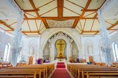 БАЛИ, ИНДОНЕЗИЯ - 8-ОЕ МАРТА 2017: Взгляд from inside Katedral Roh Kudus, католической церкви, расположенной в Денпасаре внутри Стоковая Фотография