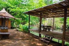 Бамбуковая терраса рекой на праздник семьи Стоковое Фото