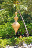 Бамбуковое украшение figurine в тропическом внешнем кафе Стоковое Фото
