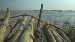 Бамбуковые тросточки, река, Камбоджа, акции видеоматериалы
