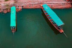 Бамбуковый мост, деревянный мост понедельника, Sangkhla Buri, Kanchanaburi Стоковые Изображения RF