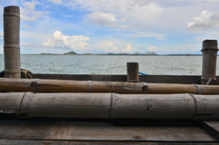 Бамбуковый дом в море Стоковые Изображения RF