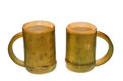 2 бамбуковых чашки изолированной на белой предпосылке Стоковое Изображение RF