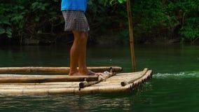 Бамбук сплавляя в Khao Lak видеоматериал