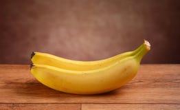2 банана на таблице Стоковые Фото
