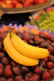 Бананы рынка ` s фермера Стоковое Фото