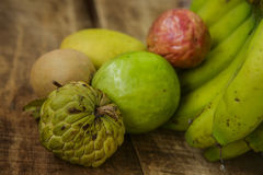 Банан Marakuya манго Sapodilla Сахар-яблока Guava Стоковое фото RF