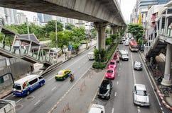Бангкок, движение в Thanon Sukhumvit Стоковое фото RF