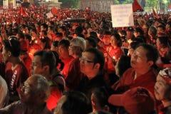 БАНГКОК - 10-ОЕ ДЕКАБРЯ: Красная демонстрация протеста рубашек - Таиланд Стоковая Фотография