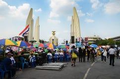 БАНГКОК - 11-ОЕ НОЯБРЯ: Демократ на марша на Democr Стоковые Фотографии RF