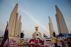 БАНГКОК - 11-ОЕ НОЯБРЯ: Демократ на марша на Democr Стоковые Изображения