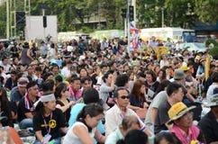 БАНГКОК - 11-ОЕ НОЯБРЯ 2013: Протест против bi амнистии Стоковая Фотография RF