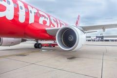 БАНГКОК, ТАИЛАНД - 23,2015 -го июнь: Конец-Вверх на тайском Air Asia Engin Стоковые Изображения