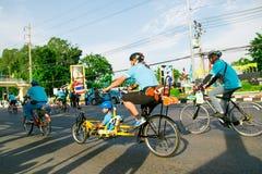 Бангкок, ТАИЛАНД, 16-ое августа - 2015: Велосипед для мамы Стоковое фото RF