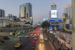 БАНГКОК, ТАИЛАНД - 24-ое декабря 2017: Большой supercenter c, в противоположности центрального мира, на дороге Ratchadamri Стоковое Изображение
