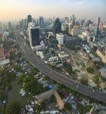 БАНГКОК ТАИЛАНД - 11-ОЕ ДЕКАБРЯ: вид с воздуха небоскреба внутри он Стоковое фото RF