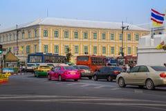 БАНГКОК, ТАИЛАНД 12-ОЕ ДЕКАБРЯ: Движение перед министерством Int Стоковая Фотография RF