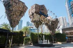 БАНГКОК, ТАИЛАНД - 5-ое декабря 2017: Планета динозавра тематический парк динозавра в городском Бангкоке, Таиланде Стоковая Фотография