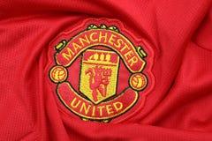 БАНГКОК, ТАИЛАНД - 12-ОЕ ИЮЛЯ: Логотип Манчестера Юнайтеда Footb Стоковое фото RF