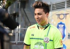 БАНГКОК, ТАИЛАНД 28-ОЕ ИЮНЯ: Fc suphanburi игрока Charyl Chappuis Стоковое фото RF