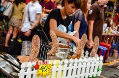 БАНГКОК, ТАИЛАНД - 10-ОЕ МАРТА 2012: Рынок кондитерскаи Стоковые Изображения RF