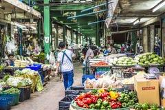 БАНГКОК, ТАИЛАНД - 7-ОЕ НОЯБРЯ 2015: Неопознанный trans людей Стоковые Фотографии RF