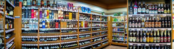 БАНГКОК, ТАИЛАНД - 4-ОЕ НОЯБРЯ: Супермаркет Foodland показывает v Стоковое Изображение
