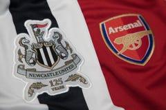 БАНГКОК, ТАИЛАНД - 19-ОЕ ОКТЯБРЯ: Логотип Newcastle United и Стоковая Фотография RF