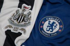 БАНГКОК, ТАИЛАНД - 19-ОЕ ОКТЯБРЯ: Логотип Newcastle United и Стоковые Фотографии RF
