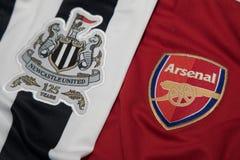 БАНГКОК, ТАИЛАНД - 19-ОЕ ОКТЯБРЯ: Логотип Newcastle United и Стоковое Изображение