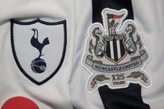 БАНГКОК, ТАИЛАНД - 19-ОЕ ОКТЯБРЯ: Логотип Tottenham Hotspur Стоковые Изображения