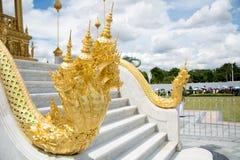 Бангкок, Таиланд - 28-ое сентября 2017: Шаги NAGA король Стоковые Изображения